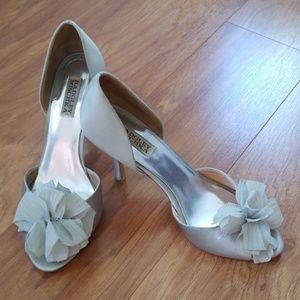 Badgley Mischka Silver Peep Toes
